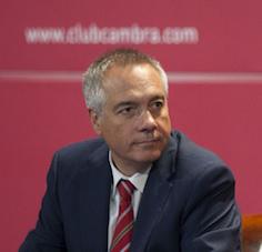 Pere Navarro, víctima, diu, d'una sobirana morma: això no és res, Pere, espera't a les eleccions, ja veuràs quin clatellot!
