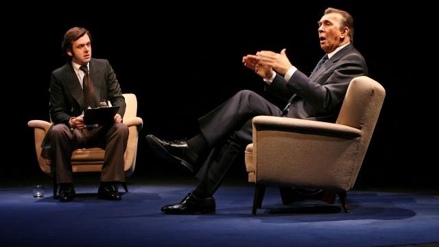 Michael Sheen y Frank Langella en 'Frost/Nixon', de Peter Morgan, en su estreno en Nueva York (2007)